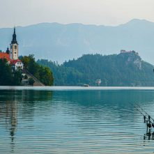 Vetste winactie van 2020? –  WIN een volledig verzorgde vistrip op het meer van Bled t.w.v. €700!