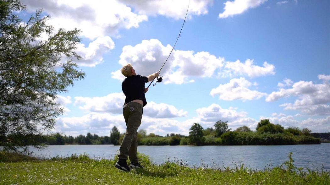 [VIDEO] Werpen tot de max – Mark Hofman test de Nash Dwarf hengels uit